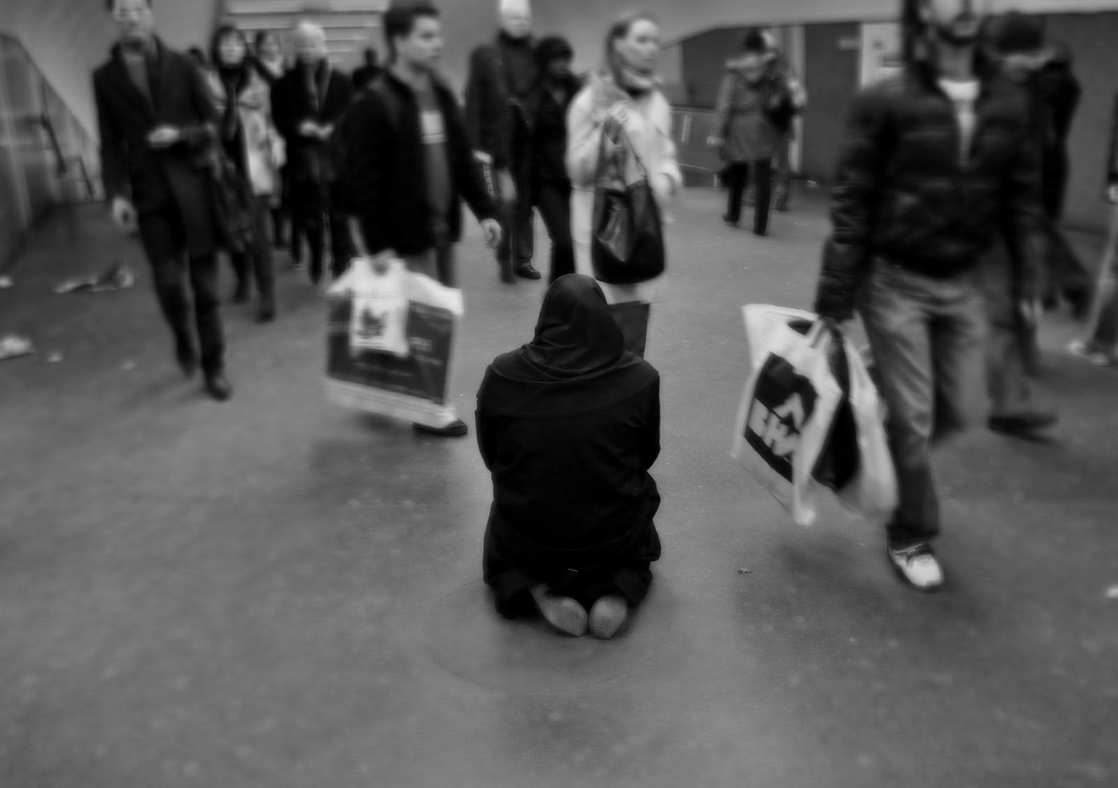 23-Dec-2009-Les-Halles-1